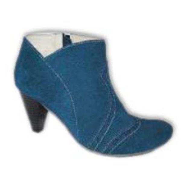 Buy Ladies Court Shoes