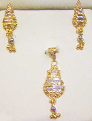 Buy Gold pendants sets