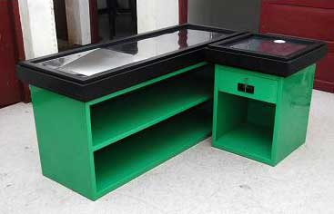 Genial Cash Counter Table