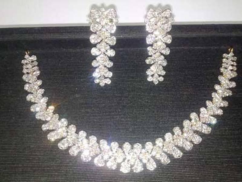 de30f58a9 Designer Diamond Necklace Set buy in Delhi