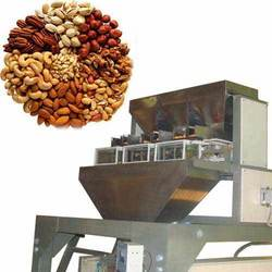 Dry fruits packaging machine: fully automatic