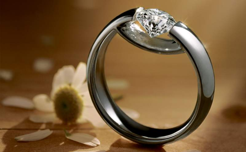 Popular youth engagement rings Price of diamond engagement rings in