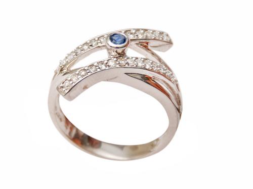 Womens Diamond Wedding Ring buy in Jodhpur