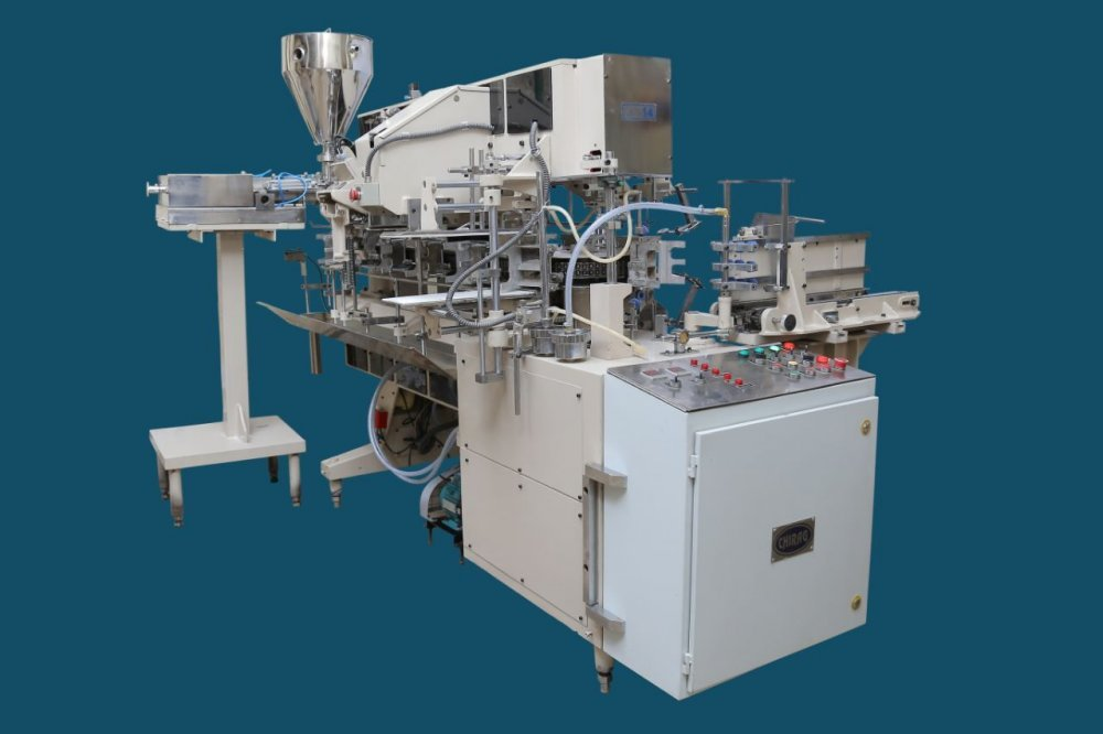 Lined carton machine for cheese