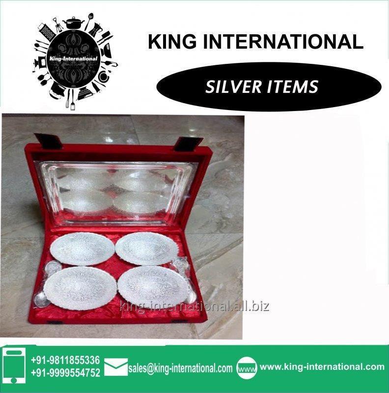 Buy Brass 4 bowls & 1 plate Set