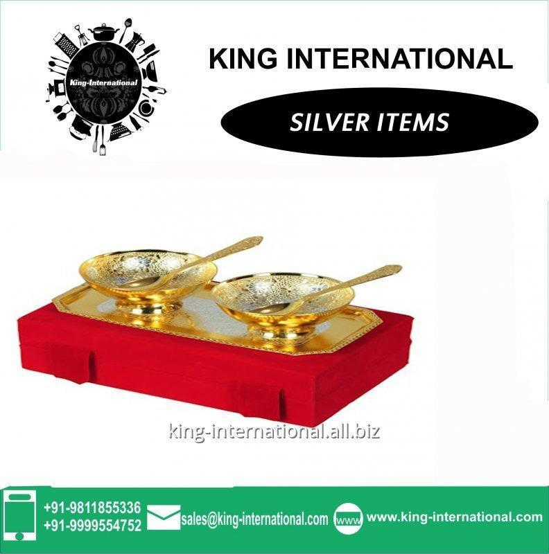 Buy Brass Golden Ice Cream Cup Set of 2 pcs With 2 spoons & 1 Tray in Red Velvet Box