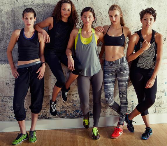 0266e3ea9f40 Nike Women Sports apparels buy in Saharanpur