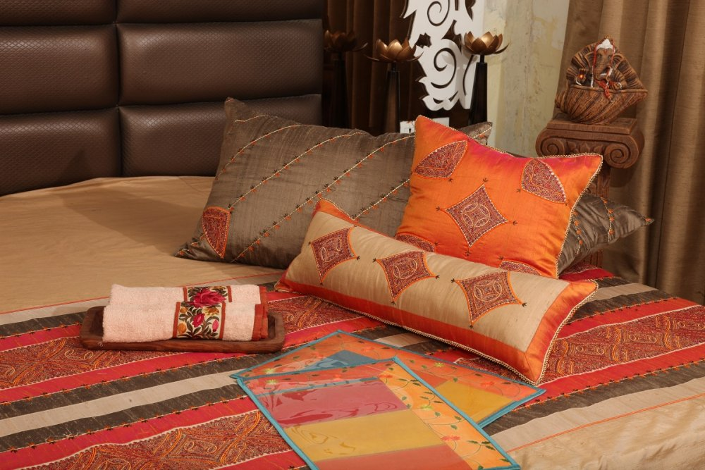 Buy Hand embroidered Kashmiri Runner with silk cushions
