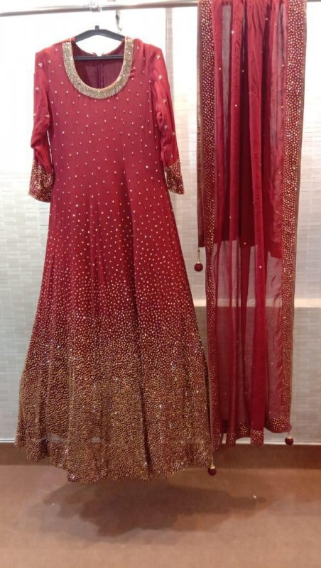 Buy Crystal highlight work dupatta with Burgundy georgette gown