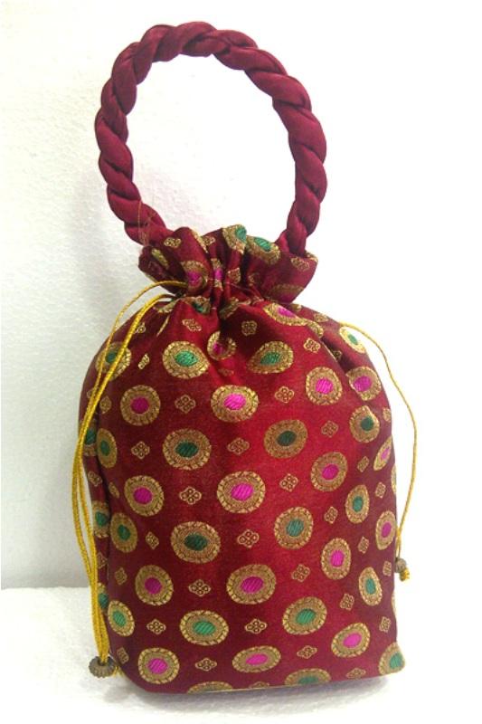 Description: Shoes online for women. Fancy handbags... Added by: Devin