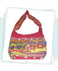BEADED FASHION BAGS
