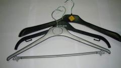 Coat & suit hangers