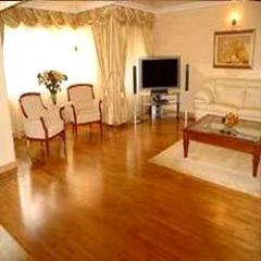 Laminated Wooden Flooring (Armstrong)