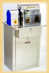 Single station polishing machines