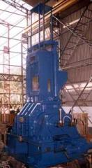 Mixers with Hydraulic Ram