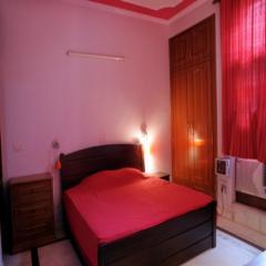 Modernized Bedroom (MB-03)