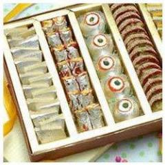 Traditional Sweet Box