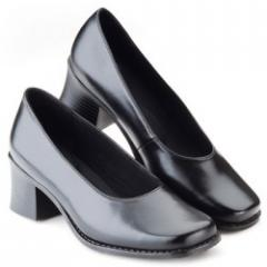 Hospitality Shoes for women