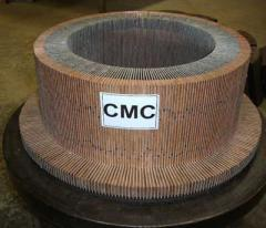 Traction motor commutators