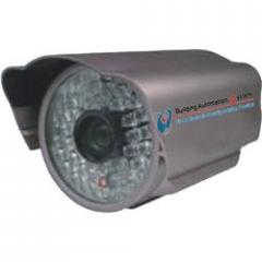 IR Camera with Auto-Focus Controllable Zoom Lens