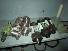 Plastic injection molding equipment