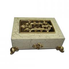 Wood and alumina elephant gift box