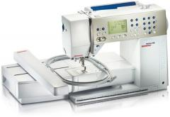 Embroidery machine Aurora 450 with embroidery