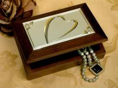 Boxes for jewelry