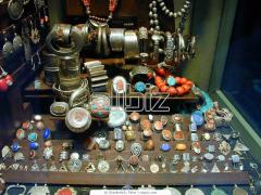 Souvenir jewelry