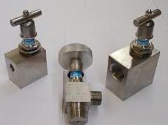 Angle needle valve
