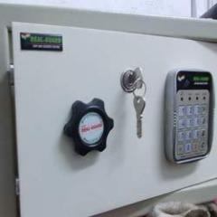 Fire resistance electronic safe locker