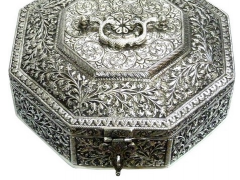 Antique silver finish white metal box