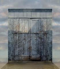 Lift for bar door