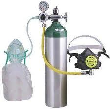Medical oxygen cylinder regulator