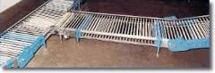 Cross conveyor for egg transport