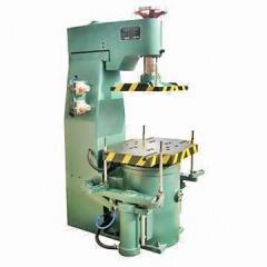 Z147 microseism squeeze molding machine
