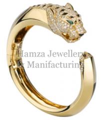 Gold Ladies Ring 02
