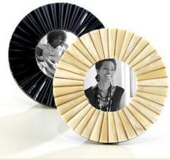 Round Photos Frames
