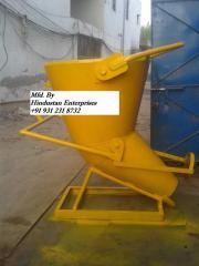 Concrete buckets for tower crane