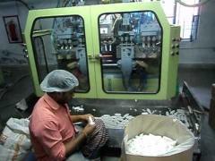 Auto Deflashing Blow Moulding Machine