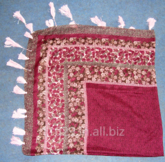 Printed polyester scarf in square shape with 2 side tassels