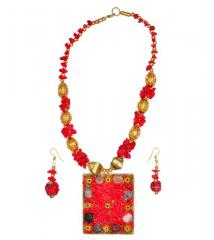 Jewelery Set With Glass Beads & Red Golden StoneWork Brass Pendant