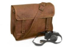 Leather Messenger / Shoulder Bag (lbag01)