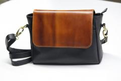 Black/ Broen Women Handbag