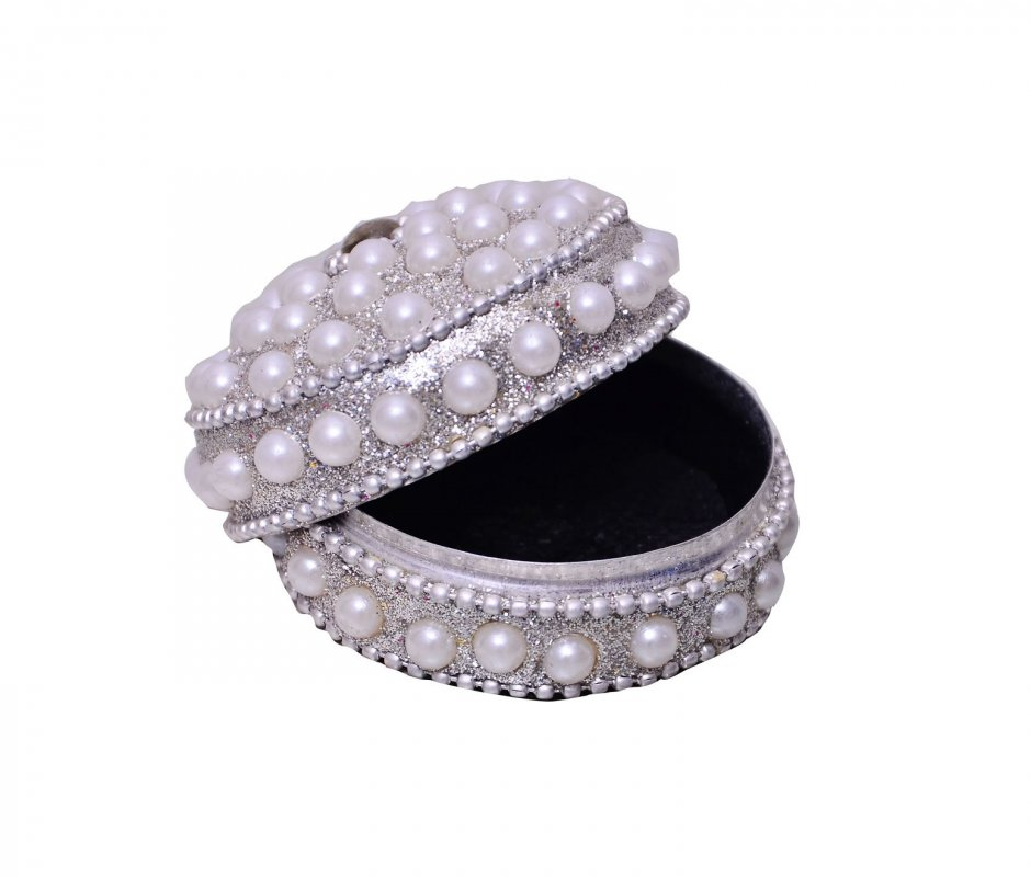 vintage_collection_cocktail_ring_for_women_golden