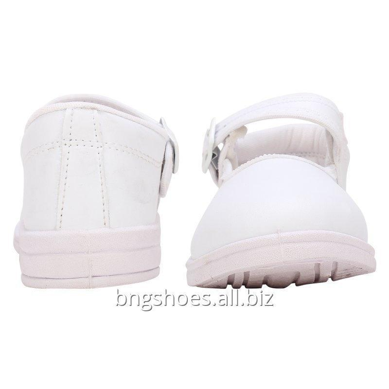 white_school_shoes_6x8