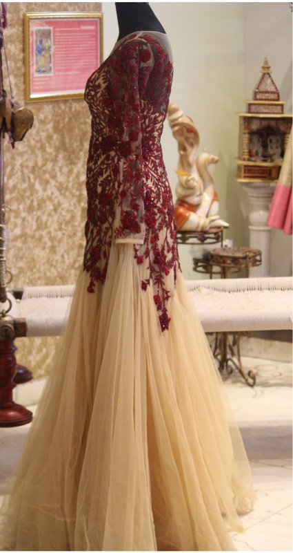 maroon-embroidery-with-off-white-gown