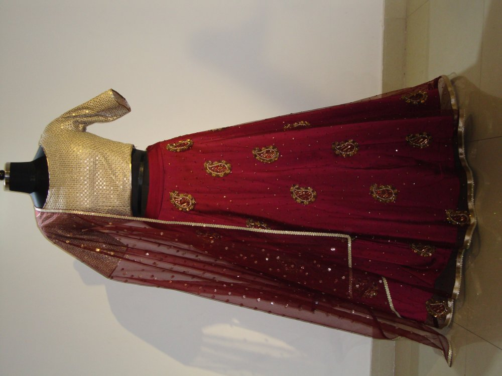 golden-and-mehroon-color-lehenga-top-with-dupatta
