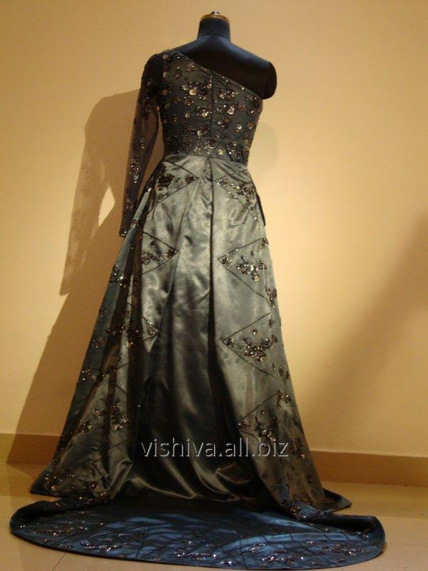 hand_embroidery_blue_dress