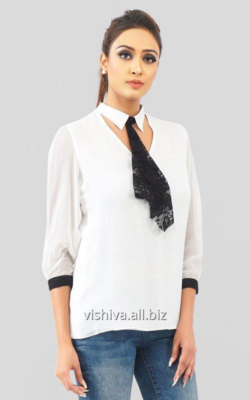 white_and_black_collar_top